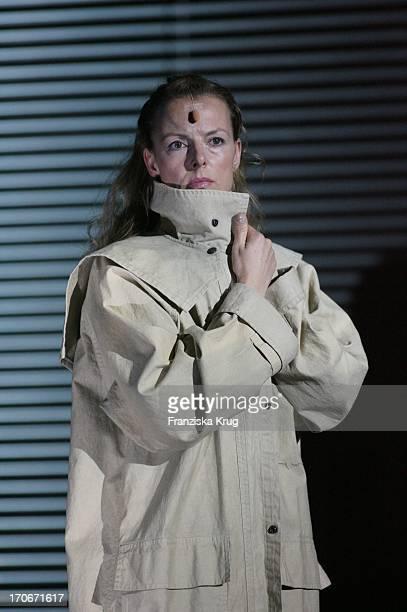 Annika Pages Bei Der Fotoprobe Zu Den 'Nibelungenfestspielen' In Worms