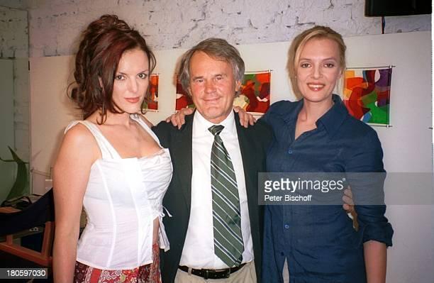 Annika Pages Schwester Svenja Pages dazwischen Produzent Dieter Pochlatko 1 gemeinsame Dreharbeiten der Schwestern ARD/ORFFilm 'Flamenco der Liebe'...