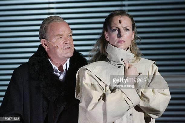Annika Pages Und Dieter Mann Bei Der Fotoprobe Zu Den 'Nibelungenfestspielen' In Worms
