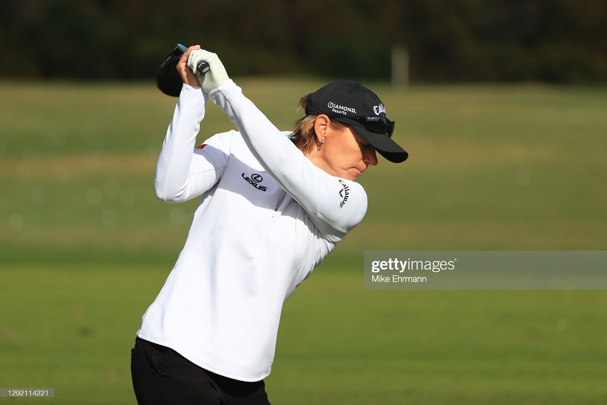 https://media.gettyimages.com/photos/annika-sorenstam-of-sweden-warms-up-on-the-range-prior-to-the-start-picture-id1292114221?s=2048x2048