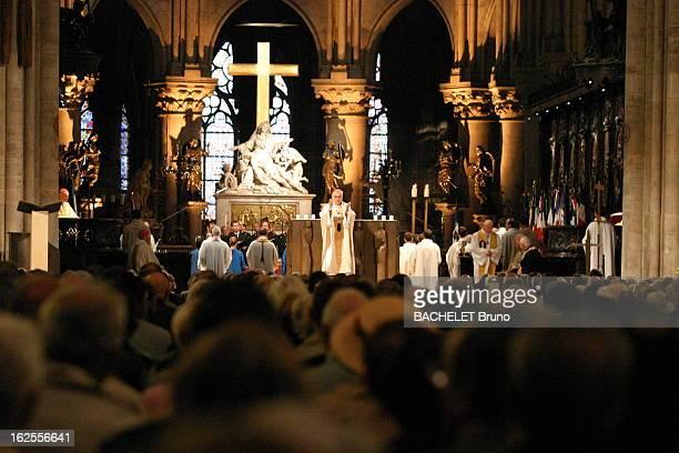 Anniversary Of The Liberation Of Paris Notre Dame de Paris messe célébrée par Monseigneur LUSTIGER pour le 60ème anniv de la libération de la...