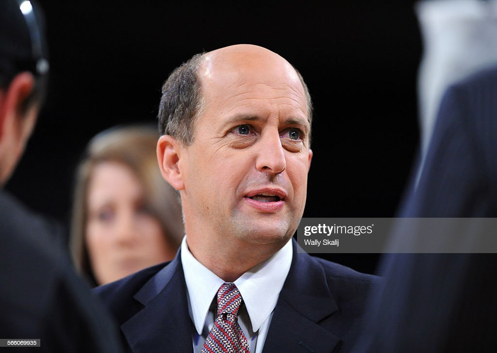 ESPN announcer Jeff Van Gundy on the court floor prior to Lakers and the Boston Celtics playing in