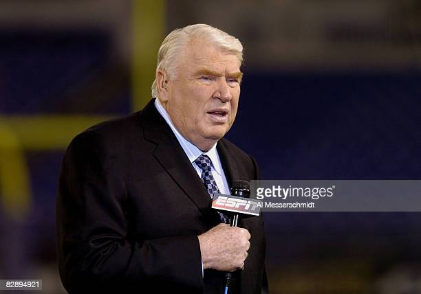 Announcer John Madden provides pre-game commentary for ESPN October 4, 2004 on Monday Night Football at Baltimore, Maryland. The 0 - 3 Kansas City...