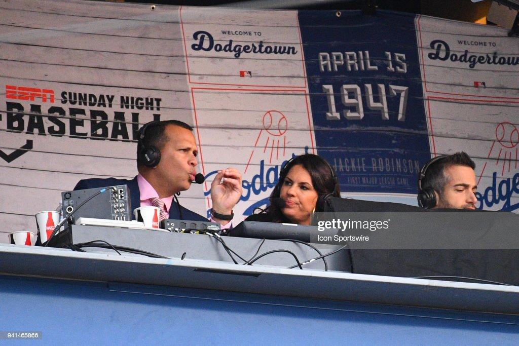MLB: APR 01 Giants at Dodgers : News Photo