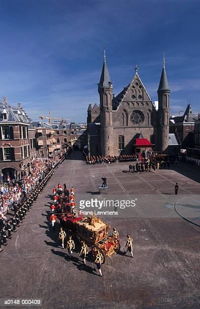 annual dutch royal parade - koets stockfoto's en -beelden