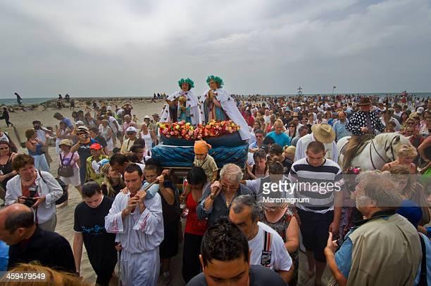 annual gipsy pilgrimage - サントマリードラメール ストックフォトと画像