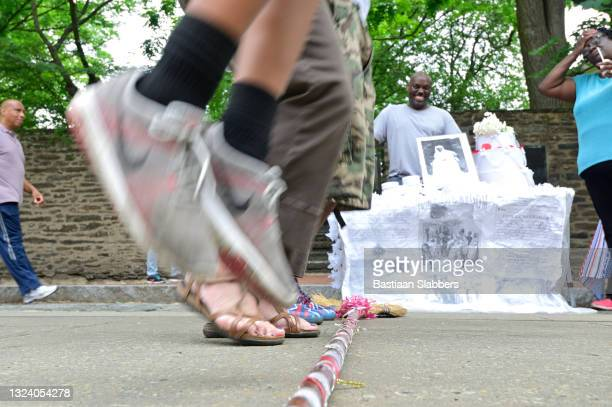 annual juneteenth independence day or freedom day in philadelphia - basslabbers, bastiaan slabbers stock pictures, royalty-free photos & images