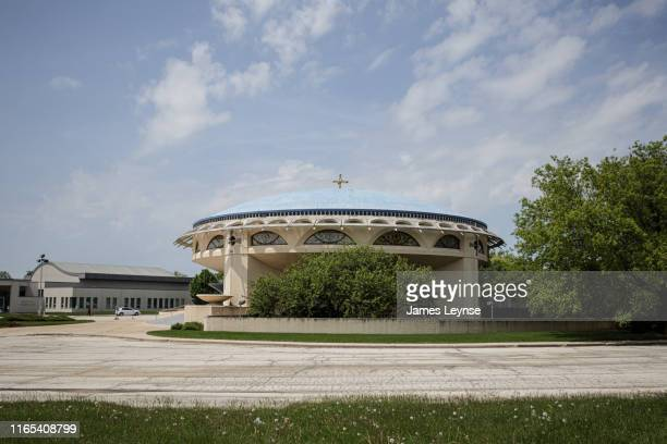 annunciation greek orthodox church - designed by architect frank lloyd wright - wauwatosa wisconsin stock pictures, royalty-free photos & images