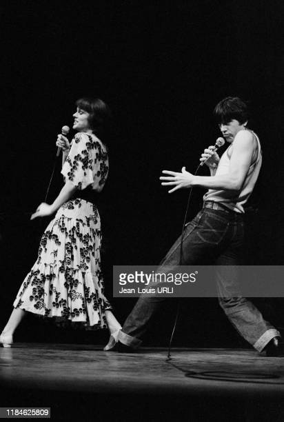 Anny Duperey et Bernard Giraudeau sur scène dans le pièce 'Attention Fragile' au théâtre Saint-Georges à Paris le 16 novembre 1978, France.