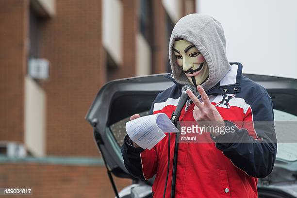anónimo estados los hechos - rehtaeh parsons fotografías e imágenes de stock