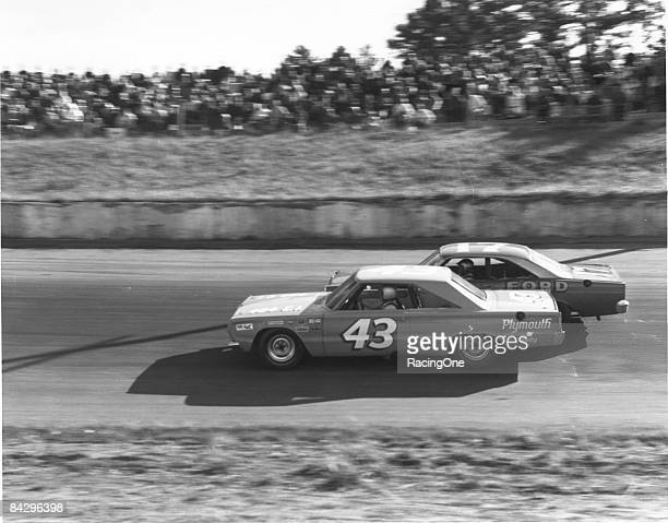 Another great PettyPearson dual took place as Richard Petty runs in the low groove under David Pearson at The AshevilleWeaverville Speedway The pair...