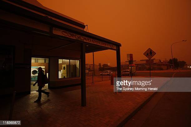 Another large dust storm moves across NSW Unlike Sydney the town of Hay in the Riverina Region of NSW is no stranger to dust storms