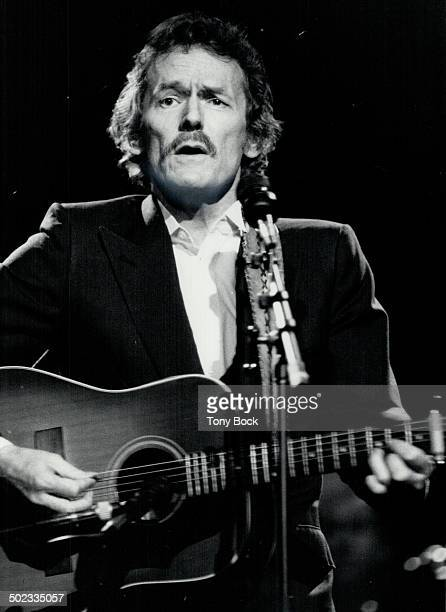 Another night with Lightfoot Gordon Lightfoot's fans were out in force at Massey Hall last night for his 18th annual concert there Reviewer Craig...