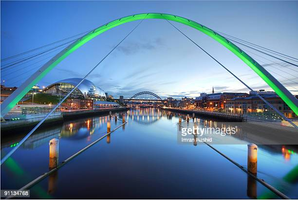 another view of quayside, newcastle upon tyne - newcastle upon tyne stockfoto's en -beelden