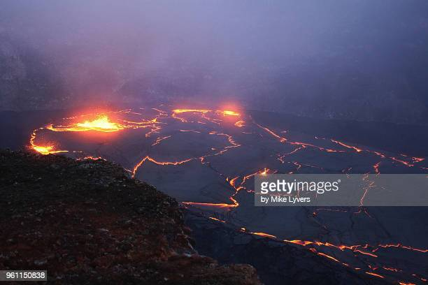another view of the lava lake in pu'u o'o crater of kilauea volcano as it looked in may 2011. - pu'u o'o vent stock pictures, royalty-free photos & images