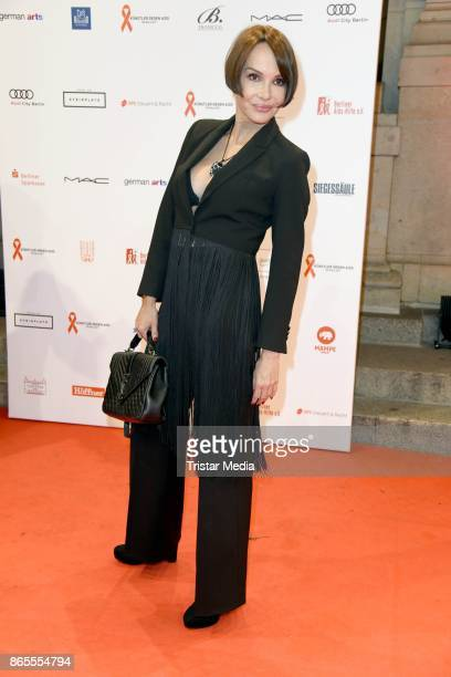 Anouschka Renzi attends the Artists Against Aids Gala at Stage Theater des Westens on October 23, 2017 in Berlin, Germany.