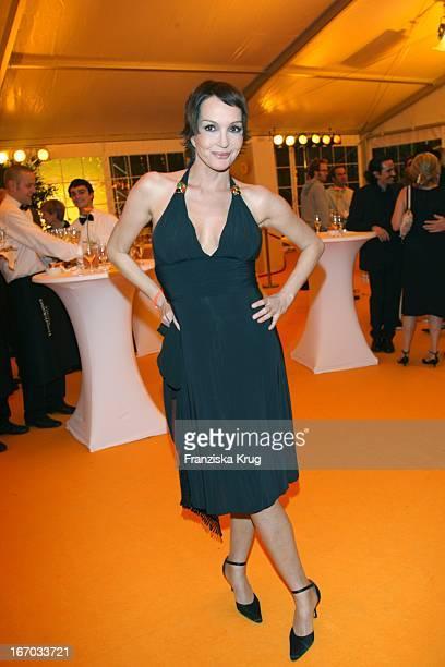 Anouschka Renzi Bei Der Verleihung Des Brisant Brillant In Den Bavaria Studios In München