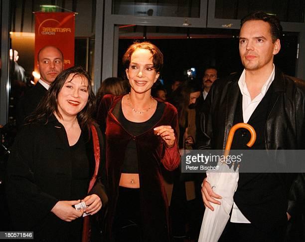 Anouschka Renzi Eva MattesAndreas Bartels WeltpremierePremierenfeier KinoFilm MarleneBerlin Deutschland Europa Cinestar/Potsdamer Platz FoyerKleid...