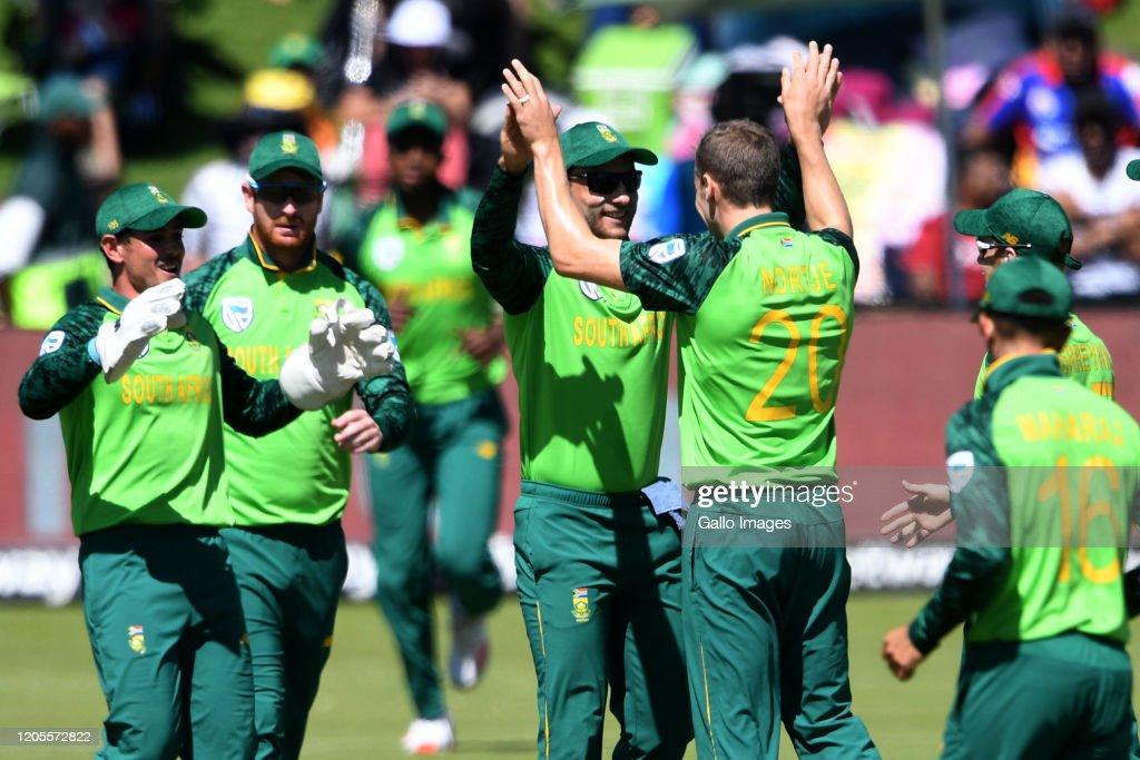 South Africa v Australia - 3rd One Day International Series : News Photo