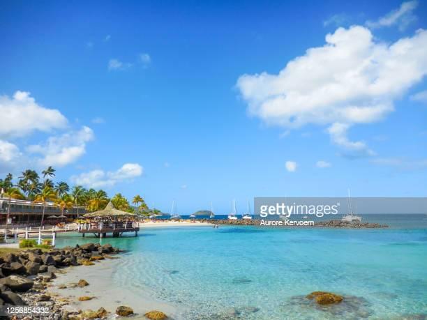 anse mitan, las tres islas, martinica. - isla martinica fotografías e imágenes de stock