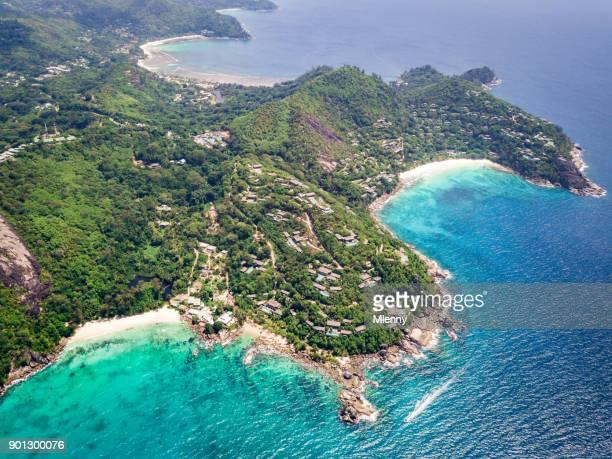 anse soleil e petite anse mahe island seychelles costa - baía - fotografias e filmes do acervo