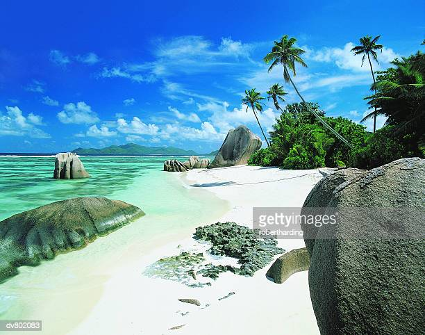 anse source d'argent, la digue, seychelles - la digue island stock pictures, royalty-free photos & images