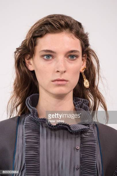 Ansley Gulielmi walks the runway during the Chloe show as part of the Paris Fashion Week Womenswear Spring/Summer 2018 on September 28 2017 in Paris...