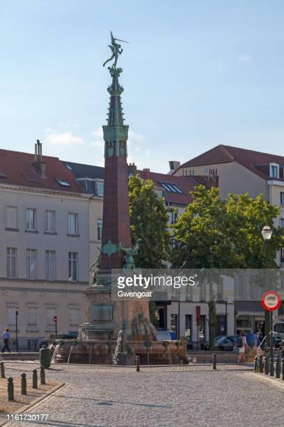 fuente anspach en bruselas - gwengoat fotografías e imágenes de stock