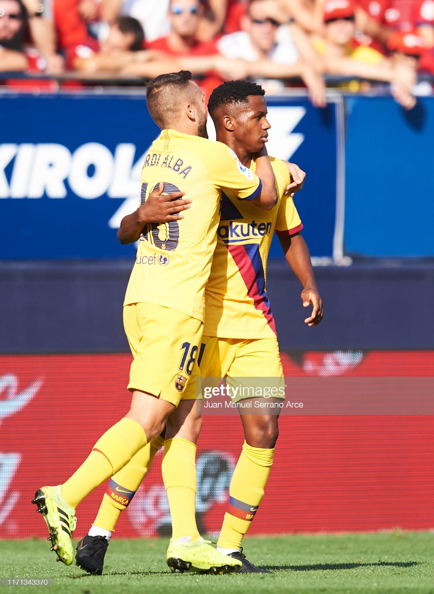 صور مباراة : أوساسونا - برشلونة 2-2 ( 31-08-2019 )  Anssumane-fati-of-fc-barcelona-celebrates-with-teammate-jordi-alba-picture-id1171343370?s=2048x2048