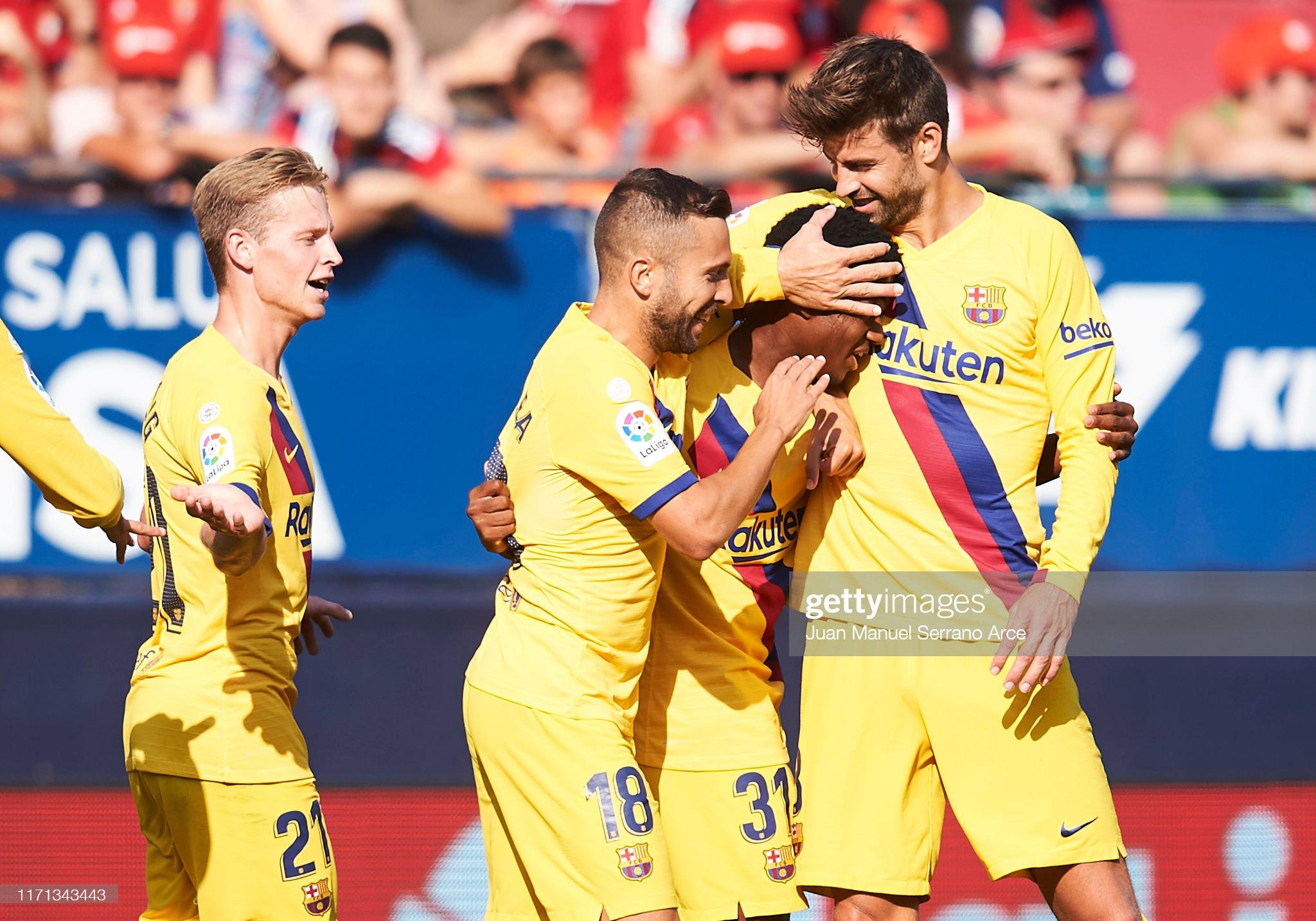 صور مباراة : أوساسونا - برشلونة 2-2 ( 31-08-2019 )  Anssumane-fati-of-fc-barcelona-celebrates-with-teammates-jordi-alba-picture-id1171343443?s=2048x2048