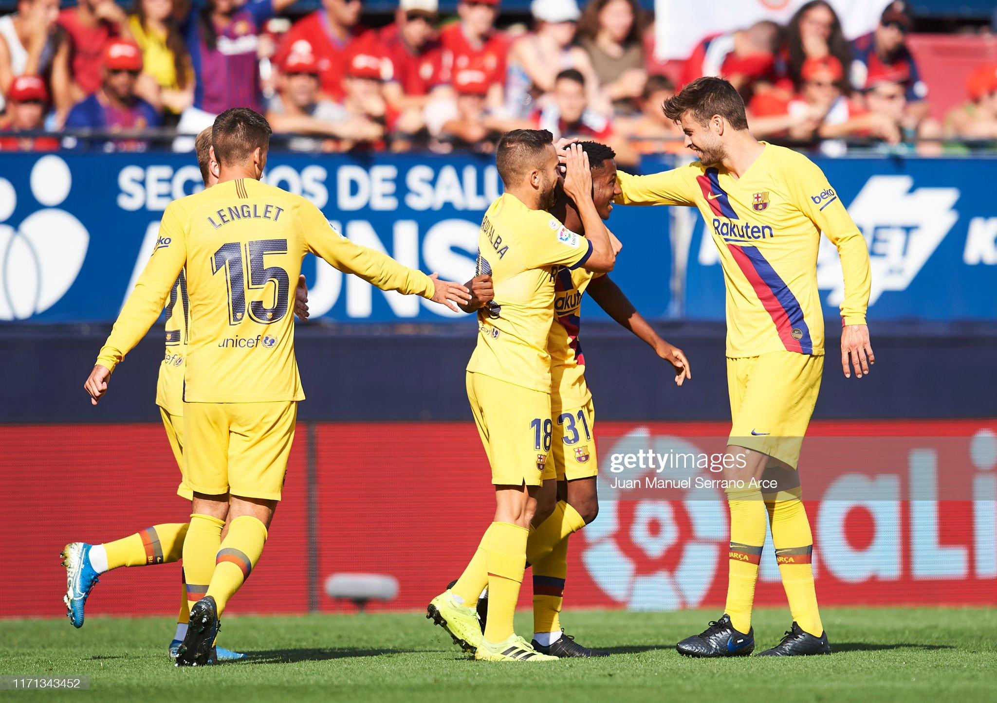 صور مباراة : أوساسونا - برشلونة 2-2 ( 31-08-2019 )  Anssumane-fati-of-fc-barcelona-celebrates-with-teammates-jordi-alba-picture-id1171343452?s=2048x2048