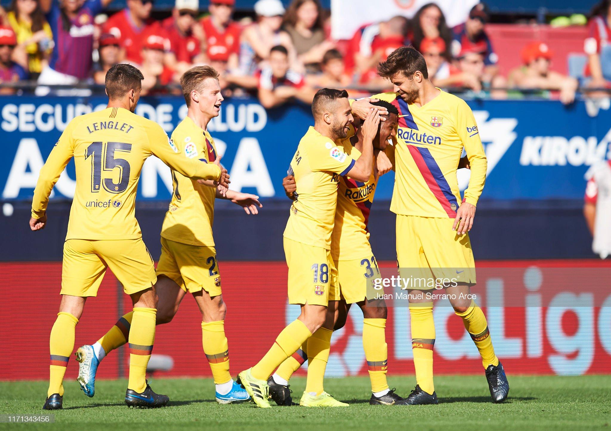 صور مباراة : أوساسونا - برشلونة 2-2 ( 31-08-2019 )  Anssumane-fati-of-fc-barcelona-celebrates-with-teammates-jordi-alba-picture-id1171343456?s=2048x2048