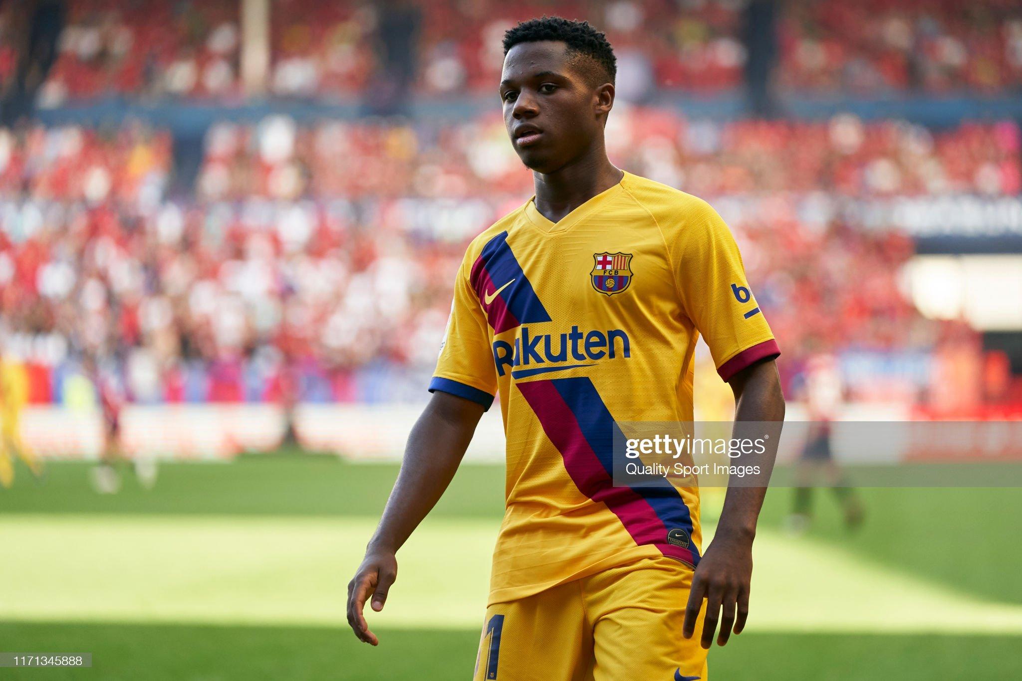 صور مباراة : أوساسونا - برشلونة 2-2 ( 31-08-2019 )  Anssumane-fati-of-fc-barcelona-looks-on-during-the-liga-match-between-picture-id1171345888?s=2048x2048