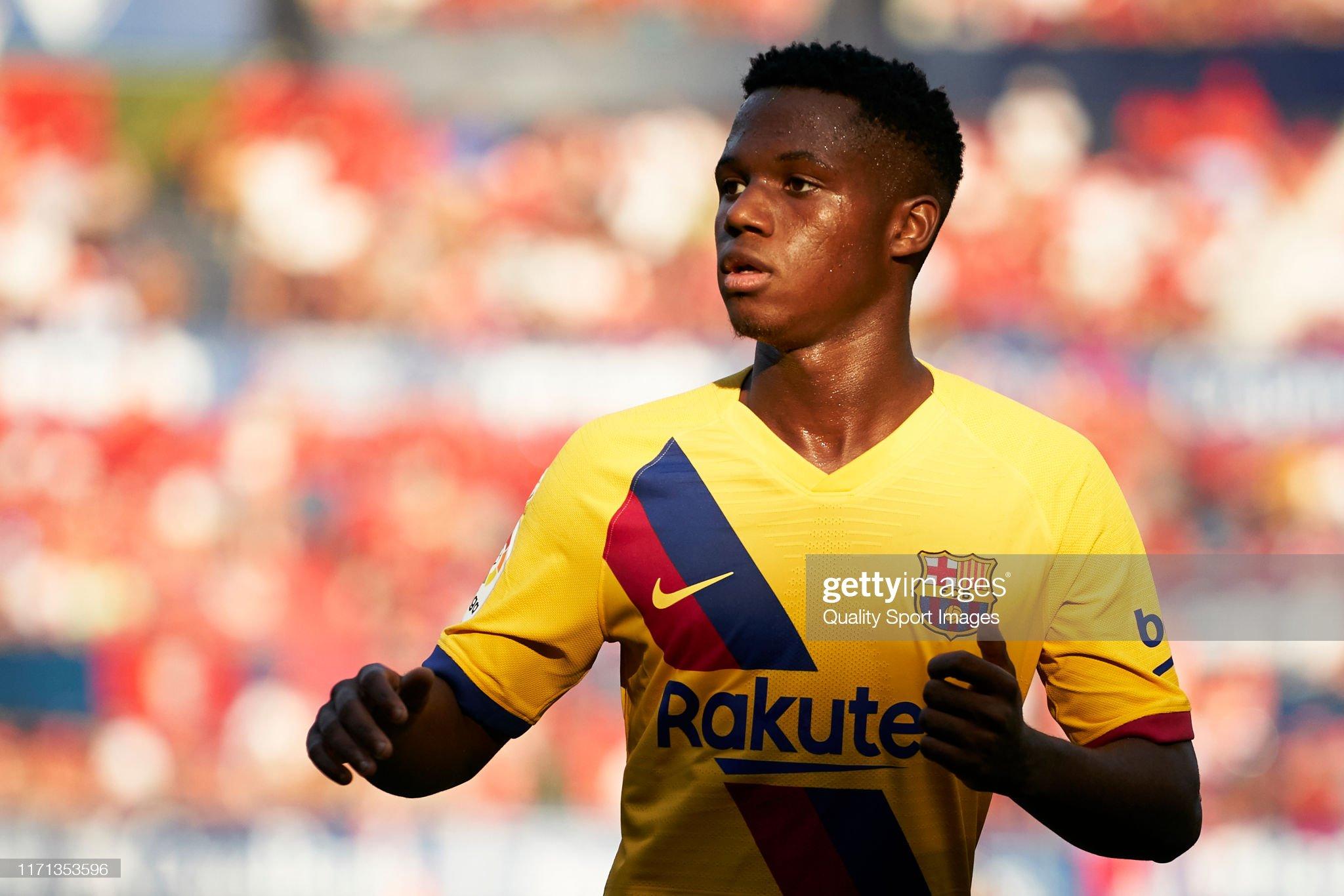 صور مباراة : أوساسونا - برشلونة 2-2 ( 31-08-2019 )  Anssumane-fati-of-fc-barcelona-looks-on-during-the-liga-match-between-picture-id1171353596?s=2048x2048