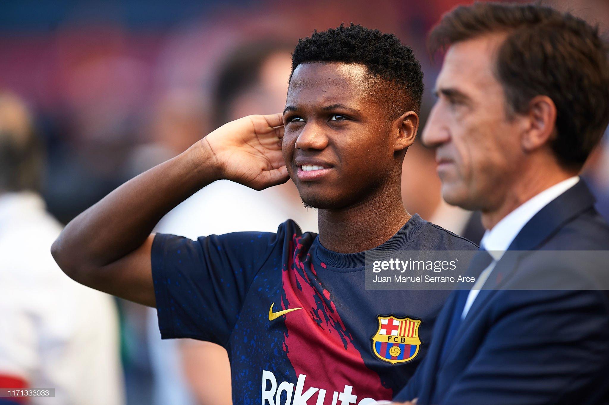 صور مباراة : أوساسونا - برشلونة 2-2 ( 31-08-2019 )  Anssumane-fati-of-fc-barcelona-looks-on-during-the-warm-up-prior-to-picture-id1171333033?s=2048x2048