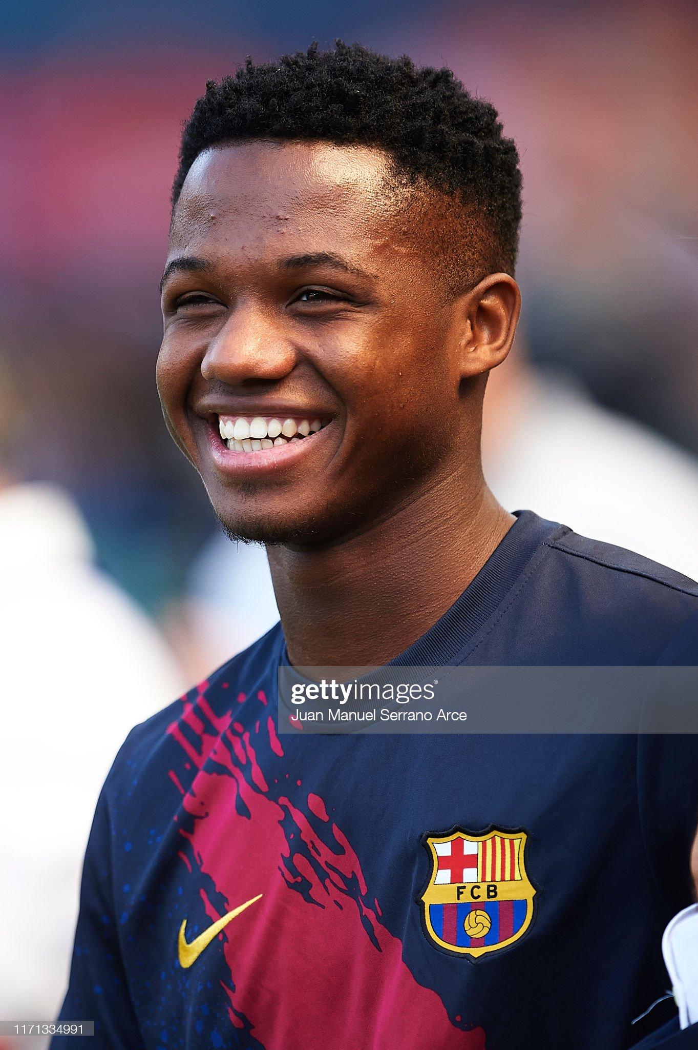 صور مباراة : أوساسونا - برشلونة 2-2 ( 31-08-2019 )  Anssumane-fati-of-fc-barcelona-smiles-during-the-warm-up-prior-to-the-picture-id1171334991?s=2048x2048