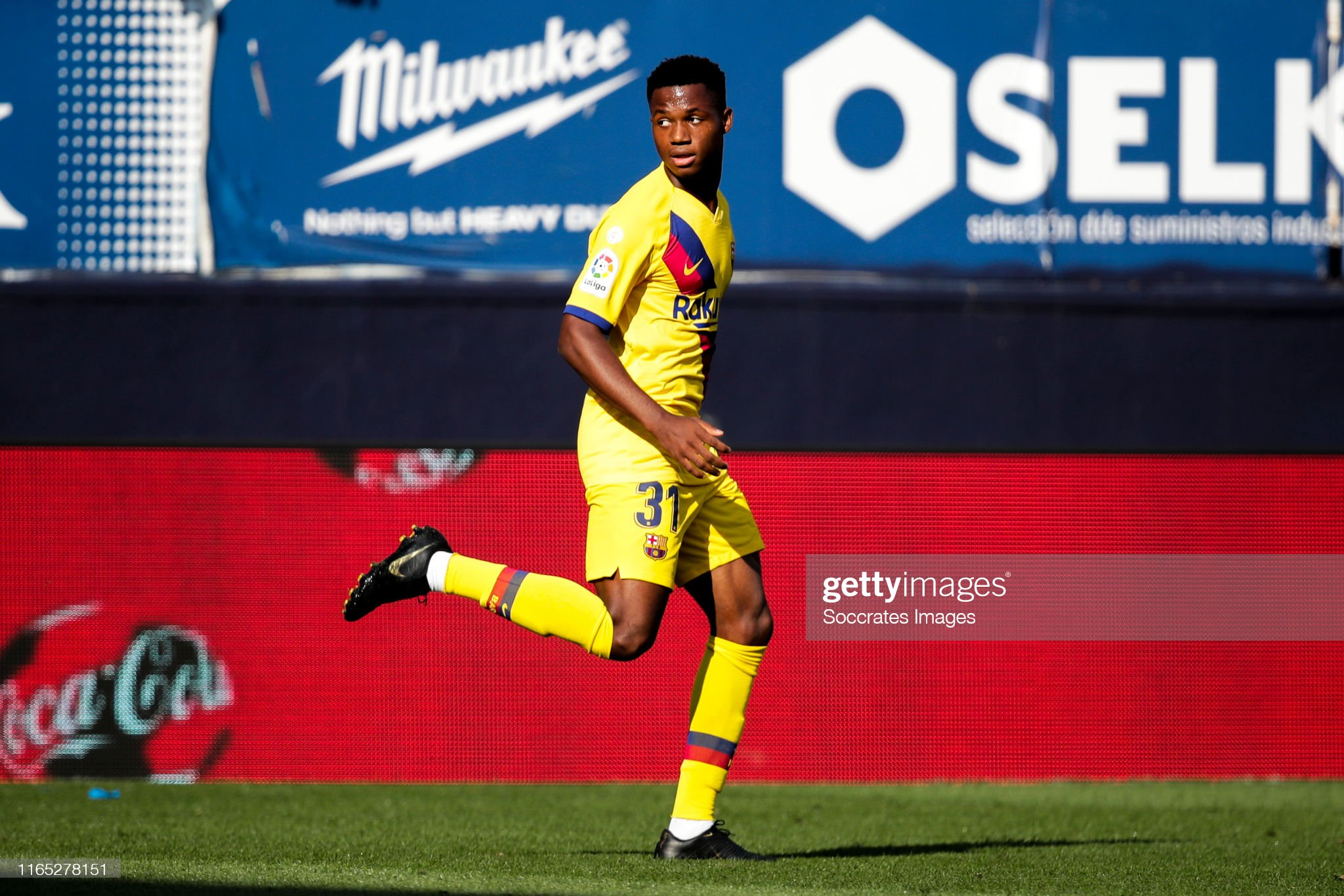 صور مباراة : أوساسونا - برشلونة 2-2 ( 31-08-2019 )  Ansu-fati-of-fc-barcelona-celebrates-goal-11-during-the-la-liga-v-picture-id1165278151?s=2048x2048