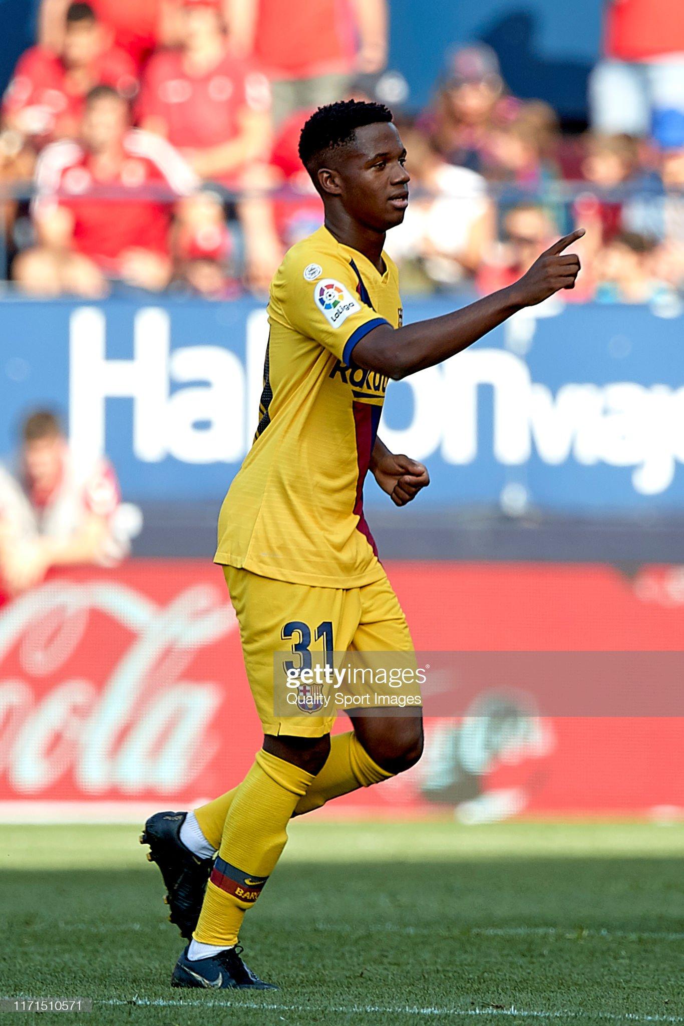 صور مباراة : أوساسونا - برشلونة 2-2 ( 31-08-2019 )  Ansu-fati-of-fc-barcelona-celebrates-his-goal-during-the-liga-match-picture-id1171510571?s=2048x2048