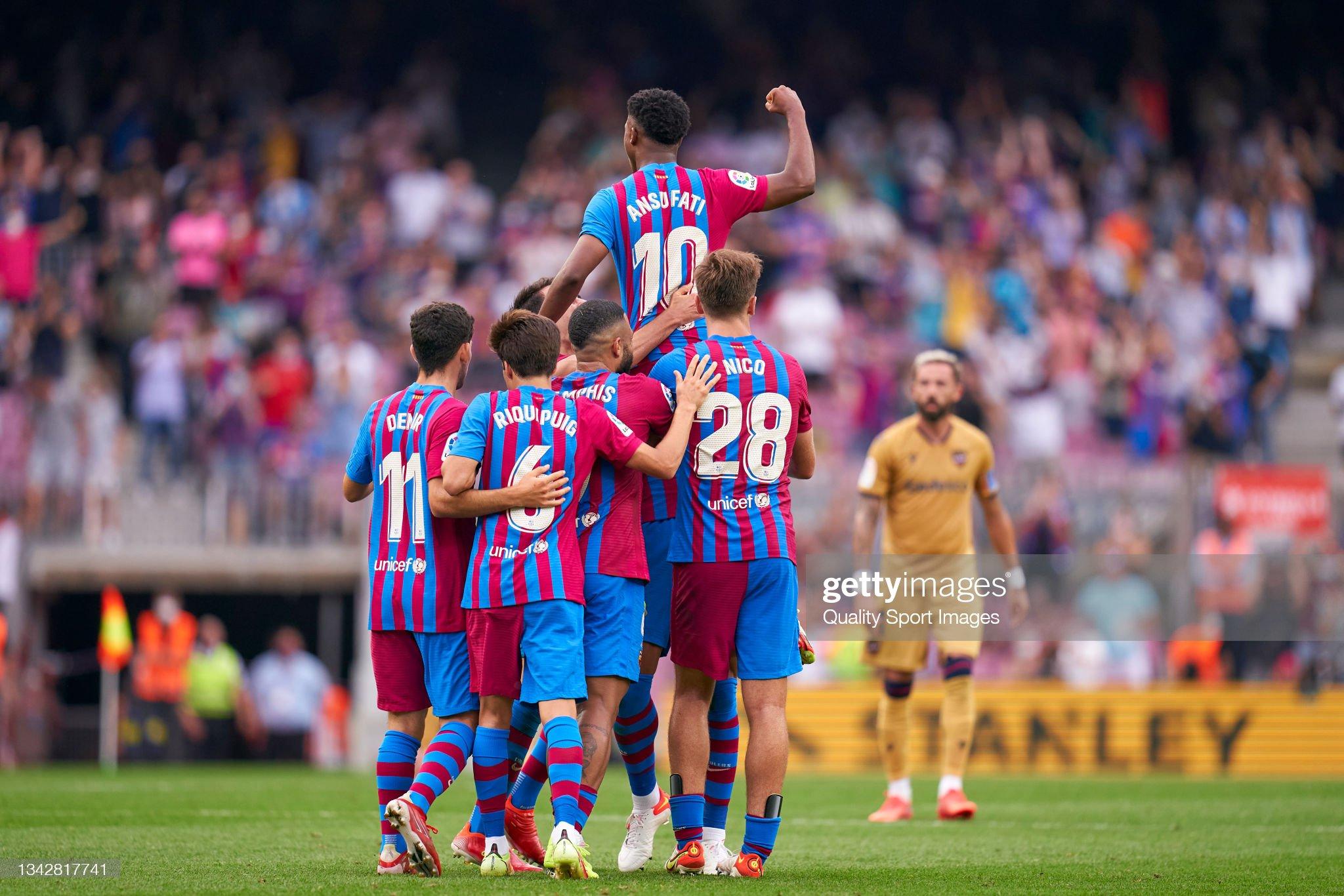 Ansu Fati - Page 3 Ansu-fati-of-fc-barcelona-celebrates-with-team-mates-after-scoring-picture-id1342817741?s=2048x2048