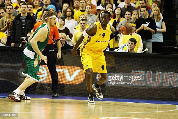 Ansu Sesay #9 of Alba Berlin in action during the Euroleague Basketball Game 10 match between Alba Berlin v Union Olimpija Ljubljana on January 15...