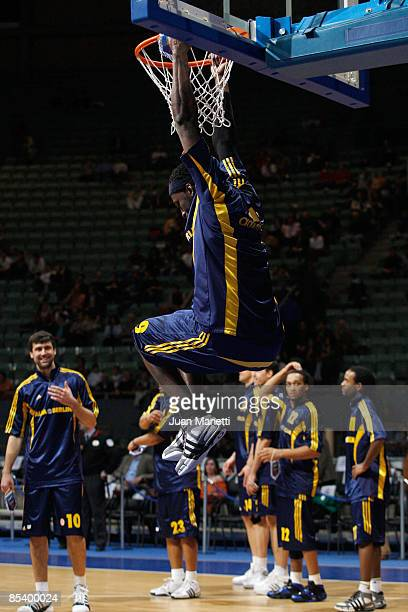 Ansu Sesay #9 of Alba Berlin warms up during the Euroleague Basketball Last 16 Game 6 match between Real Madrid v Alba Berlin on March 12 2009 at the...