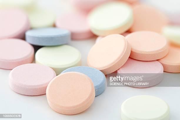 antacid tablets - refluxo gastro esofágico imagens e fotografias de stock