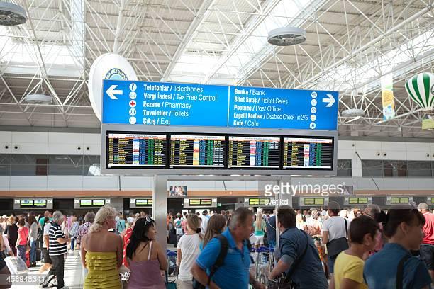 アンタルヤ空港情報掲示板 - アンタルヤ県 ストックフォトと画像