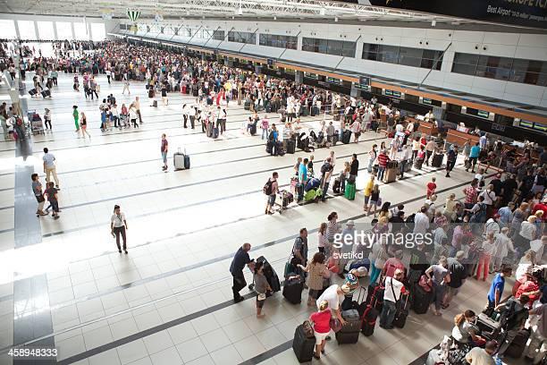 アンタルヤ空港です。 - アンタルヤ県 ストックフォトと画像