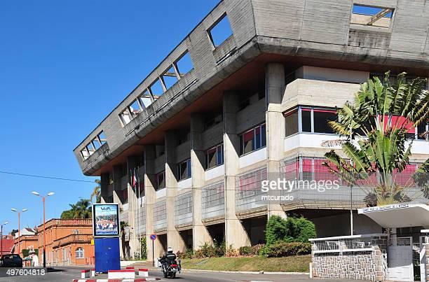 antananarivo, madagascar: central bank of madagascar and presidential palace - antananarivo stock pictures, royalty-free photos & images