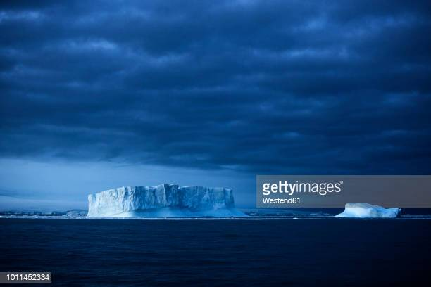antarctic, antarctic peninsula, iceberg and - 南極海 ストックフォトと画像