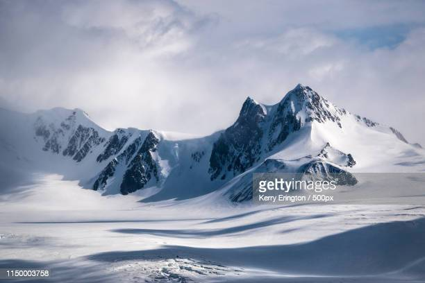 antarctic mountains - antarctica stock pictures, royalty-free photos & images