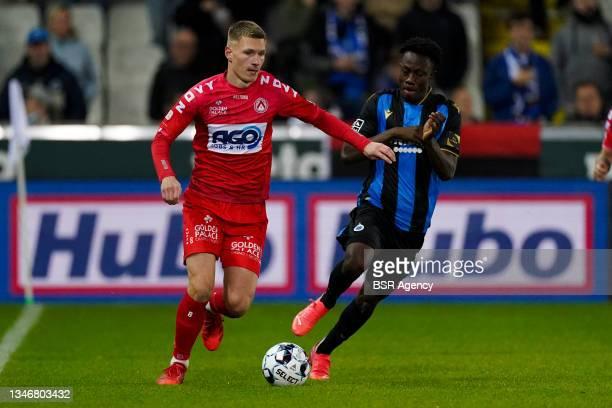 Ante Palaversa of KV Kortrijk, Kamal Sowah of Club Brugge during the Jupiler Pro League match between Club Brugge and KV Kortrijk at Jan...