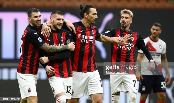 Ante Rebic of AC Milan celebrates with team mates Alessio Romagnoli, Zlatan Ibrahimovic and Samu Castillejo after scoring their side's third goal...