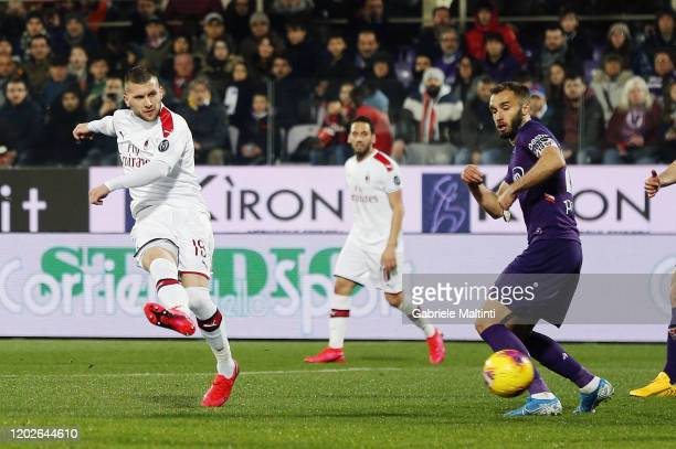 Ante Rebic of AC Milan scores the opening goal during the Serie A match between ACF Fiorentina and AC Milan at Stadio Artemio Franchi on February 22...